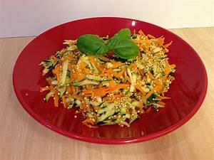 Salat Mit Zucchini : quinoa salat mit m hre und zucchini rezept mit bild ~ Lizthompson.info Haus und Dekorationen
