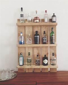 Whisky Bar Für Zuhause : doitbutdoitnow einen gin tonic bitte regal aus palette ~ Bigdaddyawards.com Haus und Dekorationen