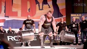 World Bench Press Record By Weight Class eddie hall deadlifts 1 025 pounds breaks world record at