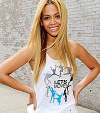 Beyonce Joins Harlem School For Surprise Lets Move Dance