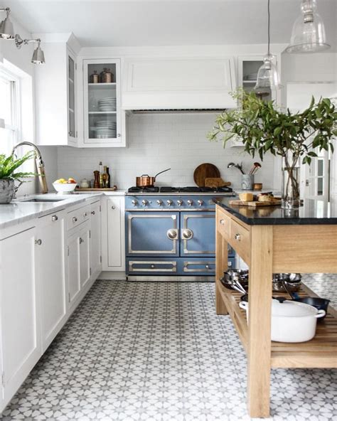 small tiles for kitchen 18 beautiful exles of kitchen floor tile 5561