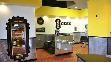 Whenever a member signs up, they instantly have access to a gym before signing up for this membership, it is advised that you call the club near you to be sure of what offer exactly you'll be getting for your money. Planet Fitness With Haircuts Near Me