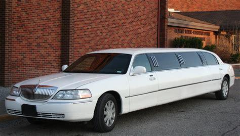 A Limousine by Limousine Luxury Town Car Fleet Luxury Limousine Orlando