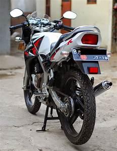 Dijual Motor Ninja R Tahun 2013 Warna Putih Tangerang