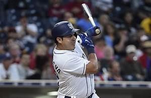 El mexicano Christian Villanueva logró quedarse con los Padres