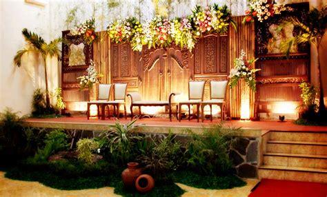 Dekorasi Tradisional Di Yogyakarta Dinassosial1