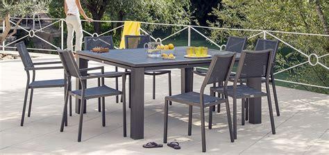 table de cuisine carr馥 8 places table de jardin carree 28 images table et chaises terrasse caf 233 hotel restaurant mobeventpro table de jardin carr 233 e en acier 8 places