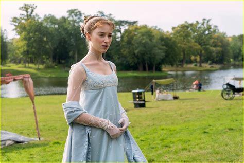 Bridgertons Phoebe Dynevor Talks About Filming The Shows