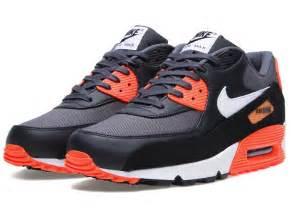 Nike Air Max 90 Crimson