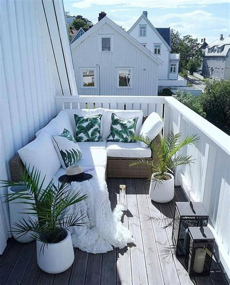 40 Cozy Balcony Ideas and Decor Inspiration 2019 Page 16