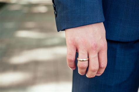 what is the most common men s ring size