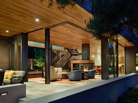 House With Courtyard the courtyard house is a contemporary residence in seattle