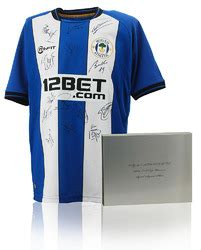 WIGAN ATHLETIC 2012/13 FA Cup Winning Squad Hand Signed ...