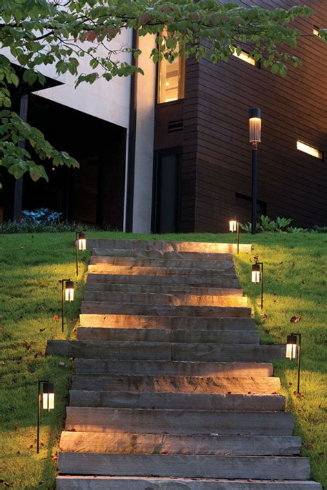 how to choose the best outdoor lighting for your home