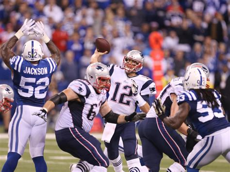 USP NFL: NEW ENGLAND PATRIOTS AT INDIANAPOLIS COLT S FBN ...
