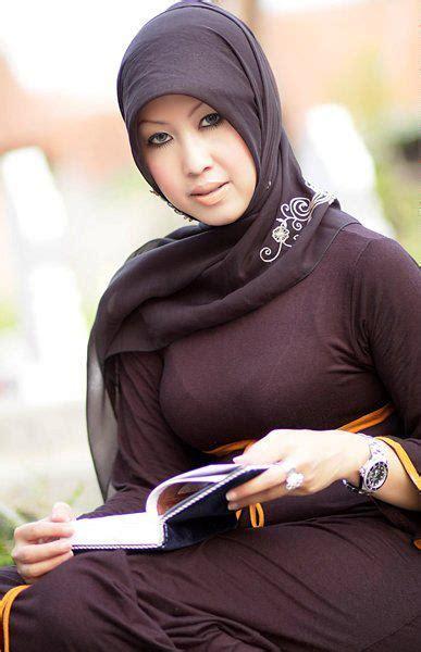 Foto Cewe Semok Pake Baju Ketat Ngentot Tante Pamer Toge Video Bokep Bugil