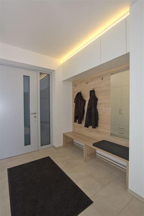 Modern Design by Moderne Garderoben Design Idee Listberger Tischlerei
