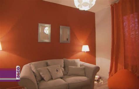 canape de couleur le salon de nadine et valentin sur m6 deco fr