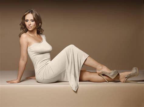actress similar to jennifer love hewitt jennifer love hewitt actress brunette looking at