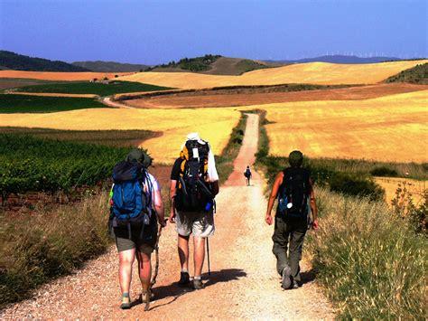 el camino walk 3 amigos walking el camino de santiago de compostella
