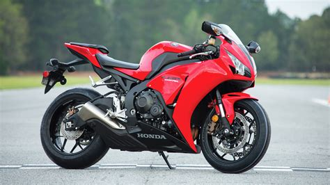 cbr bike specification 2016 honda cbr1000rr review specs pictures videos