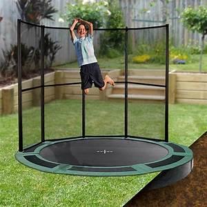 In Ground Trampolin : 10ft round inground trampoline with half enclosure ~ Orissabook.com Haus und Dekorationen