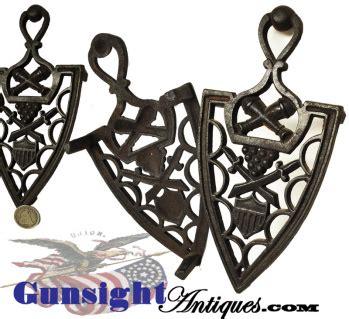 original antique cast iron patriotic trivet colonial