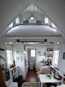 Kleine Dachwohnung Einrichten : dachschr ge schlafzimmer satteldach maisonette wohnung platzsparend design tiny schlafzimmer ~ Bigdaddyawards.com Haus und Dekorationen