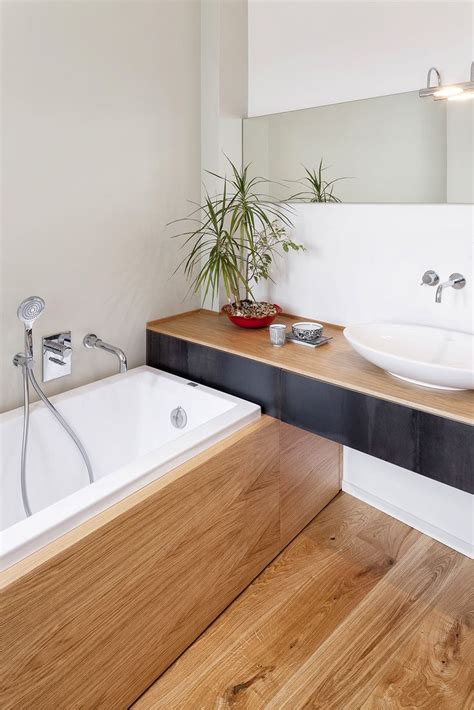 Badezimmer In Holzoptik by 25 Best Ideas About Wooden Bathroom On Asian