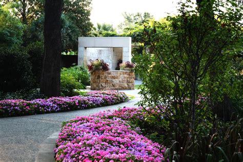 Dallas Garden by Dallas Arboretum And Botanical Garden Seek Arts