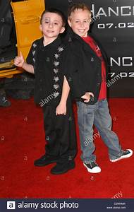 Atticus Shaffer and Jae Head Los Angeles premiere of ...