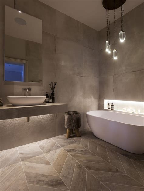 Moderne Badezimmergestaltung by Residence Bath Room Janey Butler Interiors