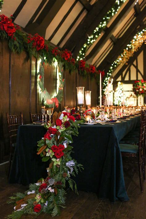 awesome winter red christmas themed festival wedding