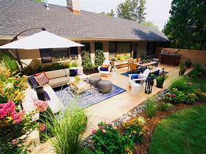 Backyard, Envy, Photo, Galleries
