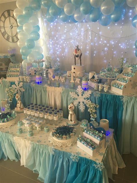 beautiful table setting frozen olaf party decorations