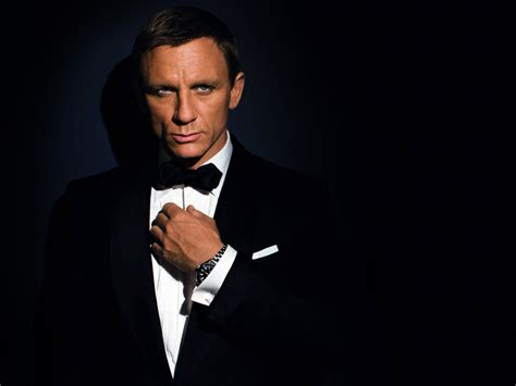 jam tissot ring daniel craig bond actors