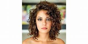 The Short Curly Cut That Will Have You Booking An