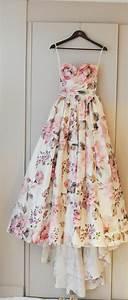 la robe de soiree 60 idees modernes With tapis chambre bébé avec robe de plage fleurie