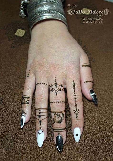 pin  jessie abeyta    tattoos simple henna