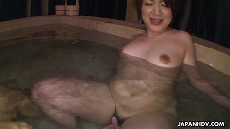 Sexy Naked Japanese Noa Kurose Gives A Nice Head In Jacuzzi