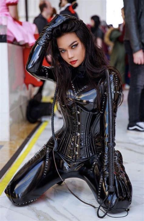 I Just Love Asian Girls In Shiny Skintight Latex Tumbex