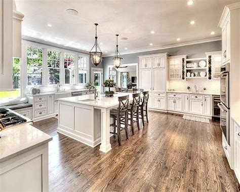 Beautiful White Kitchen Cabinets