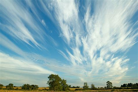 how do clouds form timelapse reveals how cirrus clouds develop wired uk