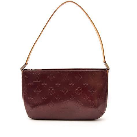 shoulder bags    shopping place  vintage pre loved designer luxury
