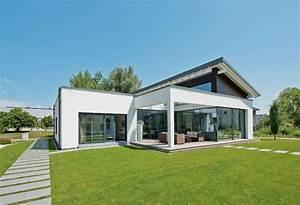 Haus Bungalow Modern : bungalows f r jung alt der bungalow mit extra platz von weberhaus haus bau ~ Markanthonyermac.com Haus und Dekorationen