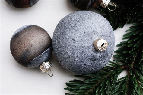 basteln malen kuchen backen weihnachtskugeln