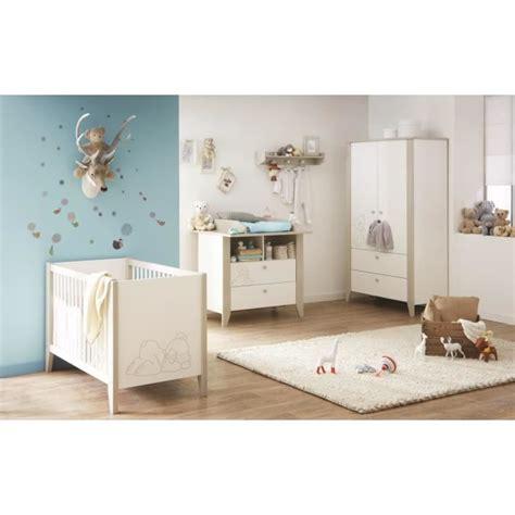 chambre bebe en pin ourson chambre bébé complète lit armoire commode