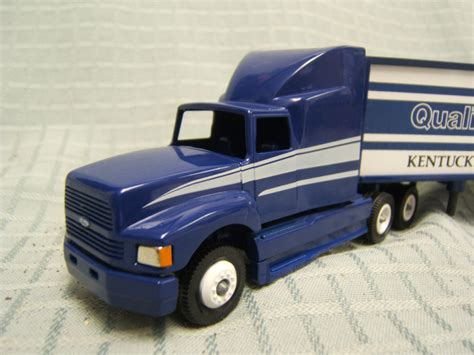 Ford Kentucky Truck Plant by Winross Truck Ford Kentucky Truck Plant Blue White 1991