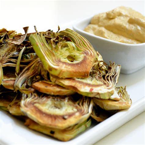 canapes recipes chips de alcachofa con veganesa de zanahoria e hinojo