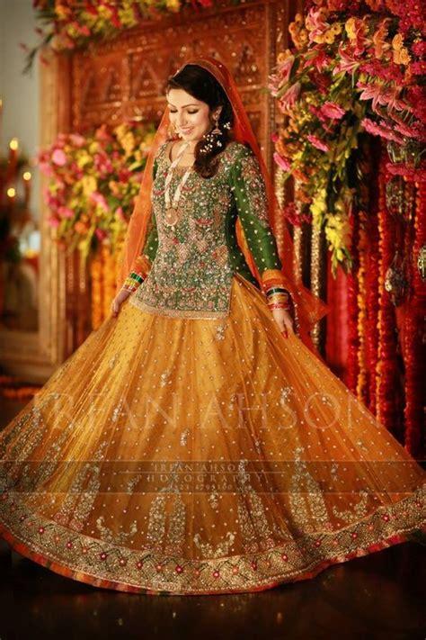 pakistani mehndi dresses   wedding brides